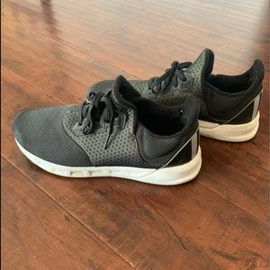 Adidas Cloud form Running Shoe